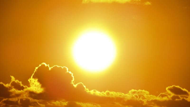 Image of a yellow sun symbolic of the intense personality