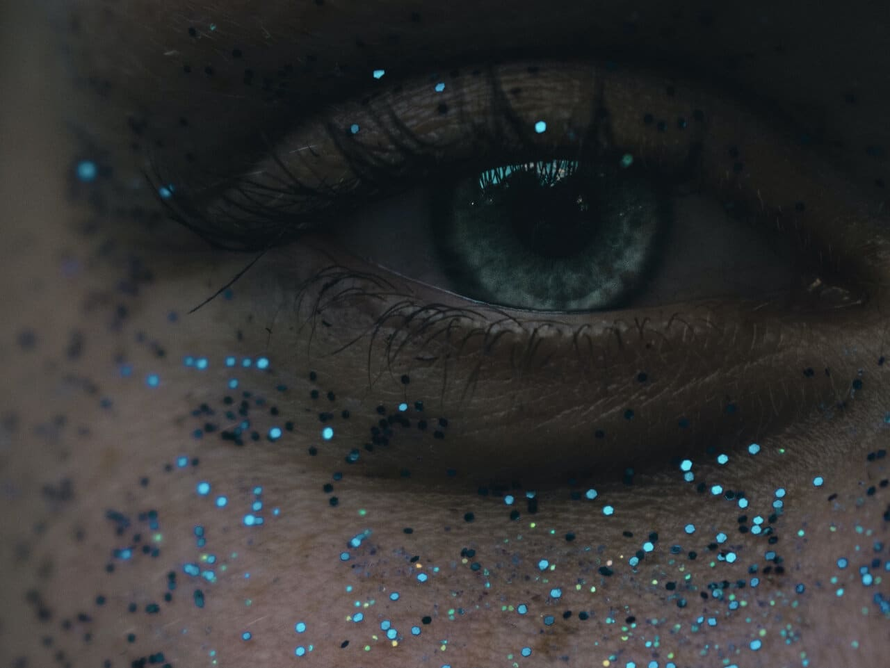 Image of an eye with glitter around it symbolic of having a sense of entitlement