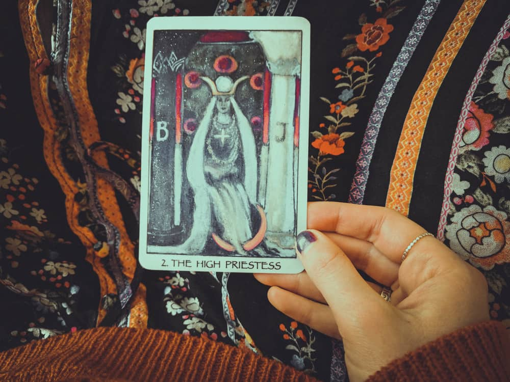 Oracle and tarot decks image