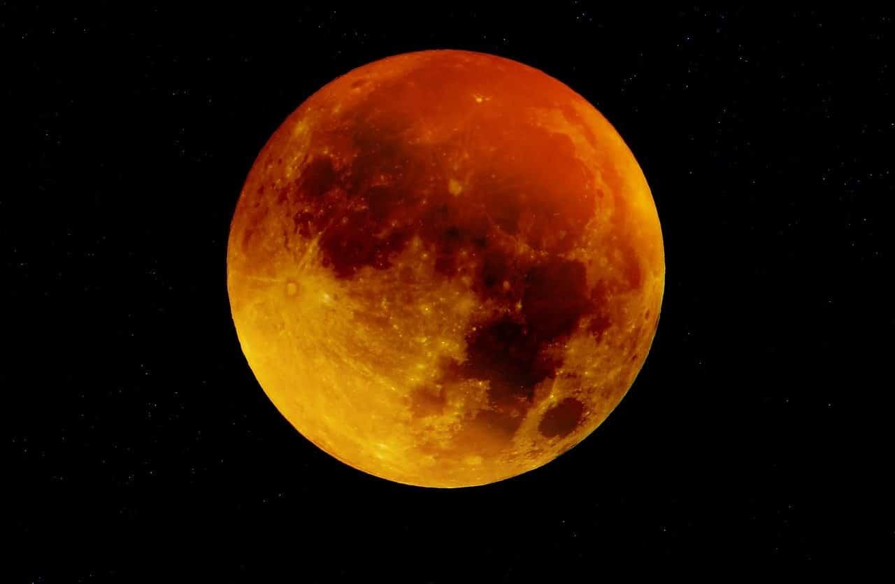 How to create a full moon ritual image