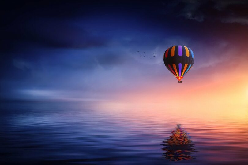 Image of a hot air balloon symbolic of spiritual delusion
