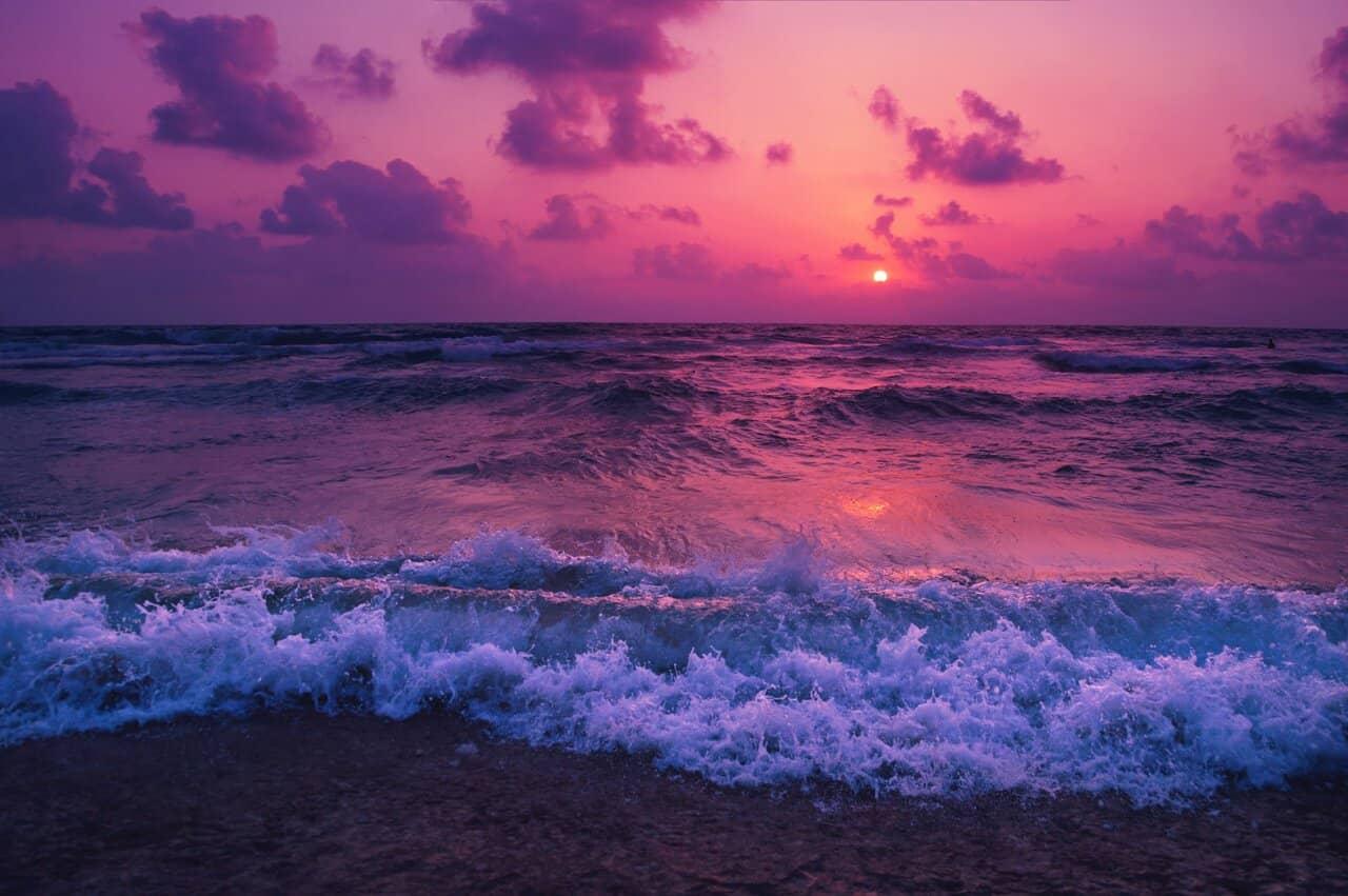 Image of a mystical sea that symbolizes ensoulment